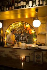 小説に登場する店舗RAINBOW cafe&grill/写真・佐藤正純
